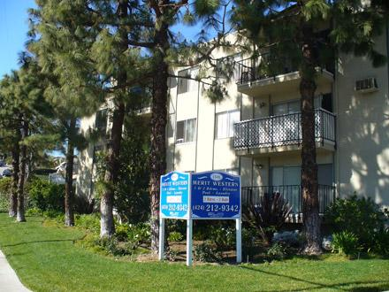 1br BEAUTIFUL 1 BEDROOM UNIT!! Less Than Five Minutes Away From The Ocean!