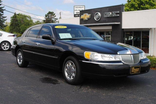 2001 LINCOLN Town Car
