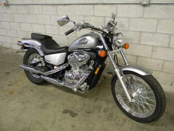 2006 honda shadow vlx deluxe vt600cd for sale in for Honda hartford ct