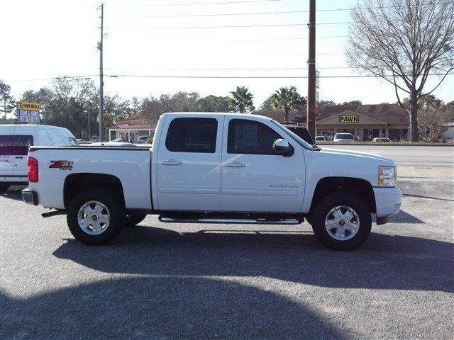 chevy silverado 1500 2011 chevy silverado 1500 crew cab z71 off autos weblog. Black Bedroom Furniture Sets. Home Design Ideas