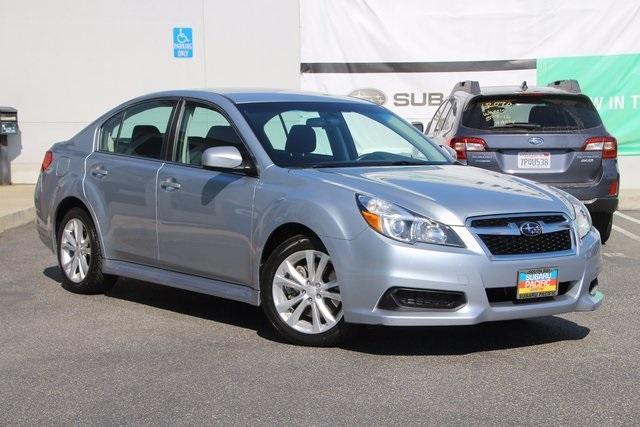 2013 Subaru Legacy 3.6R 4D Sedan