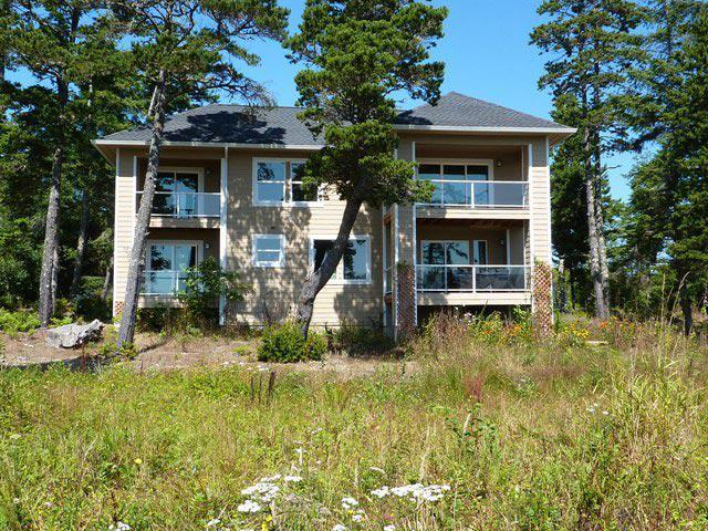 3br, Private Waterfront Sanctuary Estate-reserve now OPEN this weekend - call we are open 9am-10pm