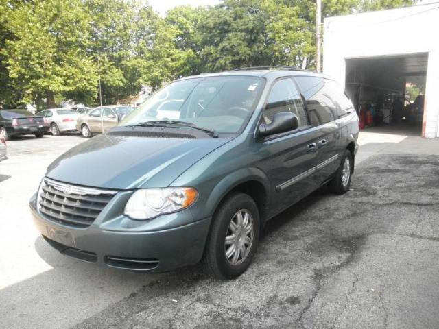 Chrysler Town & Country 4DR - 65922401