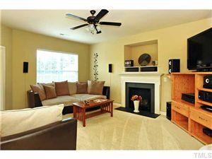 Immaculate Edgewater Starter Home!